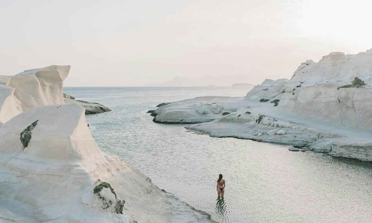 MILOS, THE MOST EXOTIC ISLAND IN THE AEGEAN SEA! Issue No 4 | Spring - Summer 2021(Pages 10-24)